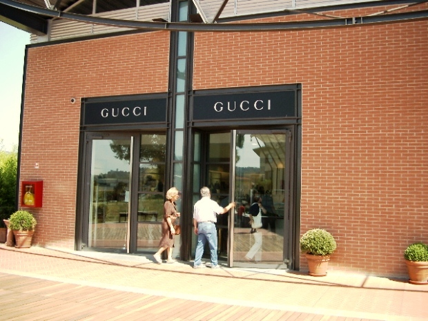 Shopping Outlet Tuscany
